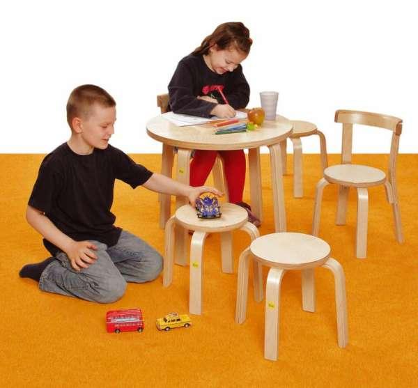 Kindertisch aus Holz