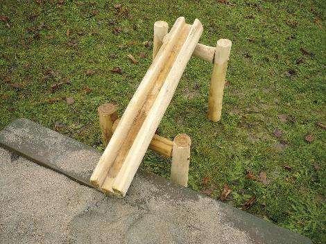 Abenteuer-Wasserspiel-Platz Rinne 50 cm lang, Holz Robinie