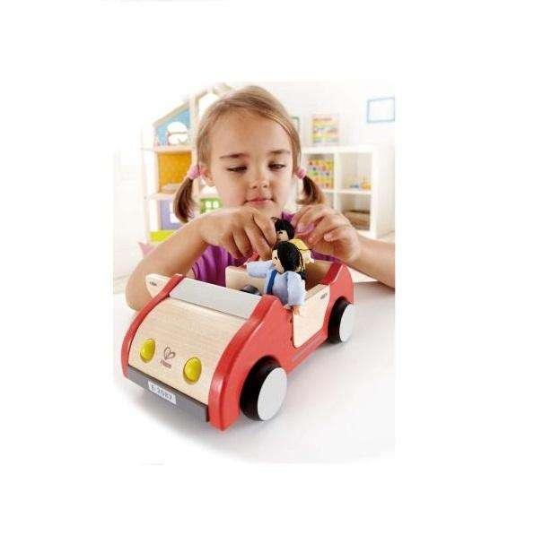 Das Familienauto für die Puppenfamilie
