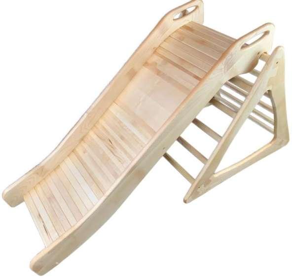 Kletterdreieck mit Rutsche aus Holz