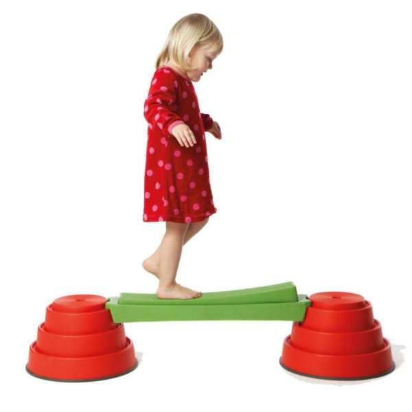 Build'n'Balance , Wipp-Balken mit Pylonen rot